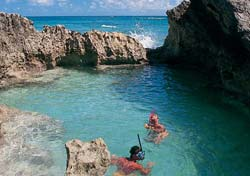 Snorkel Cove, Bermuda (Photo: Bermuda Department of Tourism)