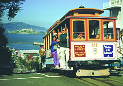 San Francisco cable car (Photo: San Francisco Convention & Visitors Bureau)