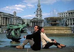 Trafalgar Square fountain in London (Photo: Britian on View)