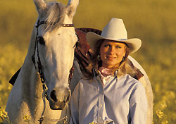 Cowgirl and horse (Photo: IndexOpen)