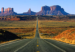 On the road to Monument Valley (Photo: PhotoDisc)