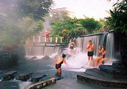 Tabacon Hotsprings (Photo: Costa Rica Tourist Board)