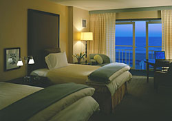 Loews Santa Monica Beach (Photo: Loews Hotels)