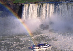 Niagara Falls (Photo: D. Falconer/PhotoLink)