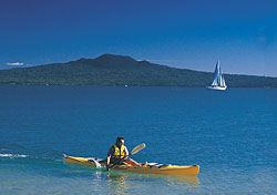 Kayaker in Rangitoto, Auckland, New Zealand (Photo: Tourism Auckland)