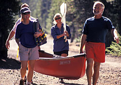 Couples going canoeing (Photo: IndexOpen)