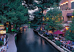 Riverwalk, San Antonio (Photo: San Antonio CVB)