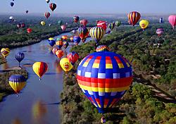 Balloon Fiesta over the Rio Grande, Albuquerque, New Mexico (Photo: Ron Behrmann)