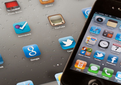 iPhone with Applications (Photo: Thinkstock/iStock)