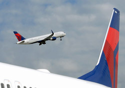 Delta aircraft on the ground and taking off (Photo: Delta)