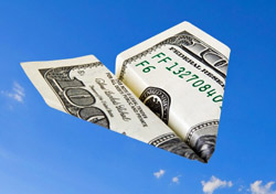 $100 bill plane (Photo: iStockphoto/ Alex Potemkin)