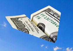 $100 bill plane (Photo: iStockphoto/ Alex Potemkin)
