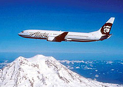 Alaska Airlines 737 over mountains (Photo: Alaska Airlines)