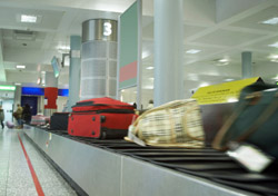 Air: Baggage: Carousel (Photo: iStockphoto/Gary Martin)
