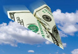 Air: Money Paper Plane (Photo: iStockphoto/Alexander Kalina)