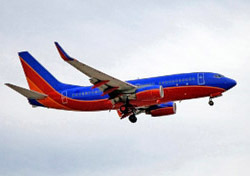Southwest 737 jet approaching runway (Photo: iStockPhoto/Lowell Sannes)
