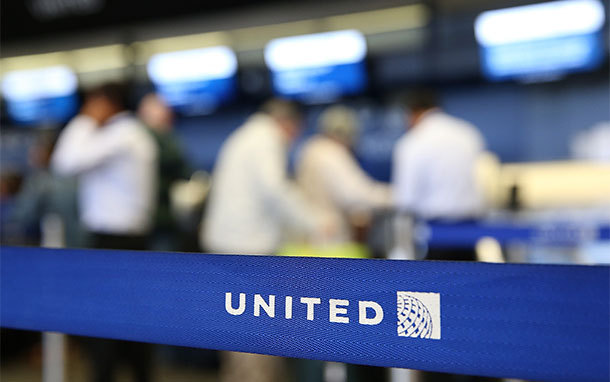 United Logo on Barrier at Airport (Photo: Justin Sullivan/Getty Images)