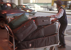 Airport baggage handler (Photo: Index Open)