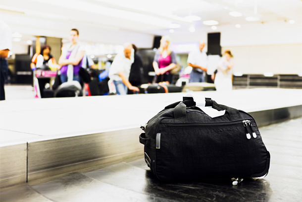Single Suitcase on Luggage Carousel (Photo: Thinkstock/iStock)