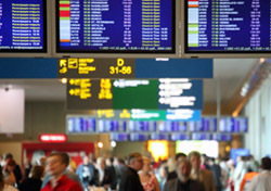 Airport: Travelers, Flight Screens (Photo: Thinkstock/Hemera)