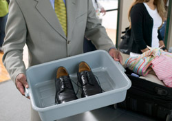 Air: Security - Shoes in Bin (Photo: Thinkstock/Creatas)