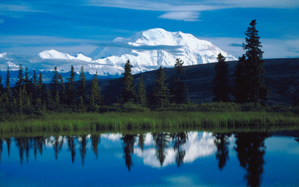 Alaska: Mt. McKinley and Lake (Photo: Thinkstock/Jupiterimages)