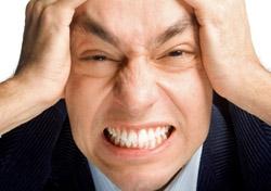Angry business traveler (Photo: iStockPhoto/Gulden Kunter Tikiroglu)