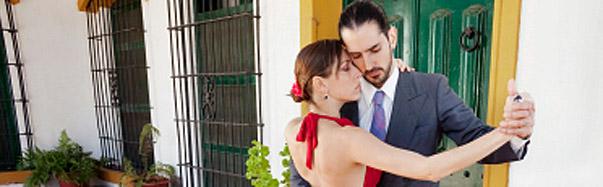 Couple Tango Dancing (Photo: iStockphoto/Grafissimo)