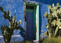 Arizona-Tucson Blue Door (Photo: iStockphoto/Karoline Cullen)