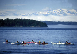 Kayaking in God's Pocket, British Columbia (Photo: Terry Prichard/Sea Kayak Adventures)