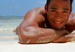 Beach: Sunbathing Man (Photo: Thinkstock/Creatas)