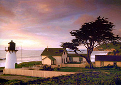 Montara Lighthouse (Photo: Nora J.Lee, San Mateo County CVB)
