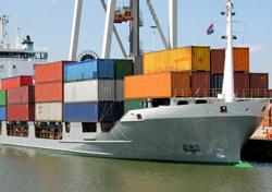 Ship: Container (Photo: Thinkstock/iStockphoto)