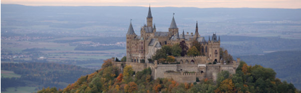Germay-Castle Hohenzollern Fall (Photo: iStockphoto/Manuela Weschke)