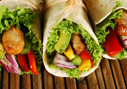 Chicken wraps (Photo: iStockPhoto.com)