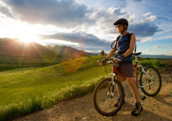 Mountain biker at sunset in Boulder, Colorado (photo: iStockphoto)