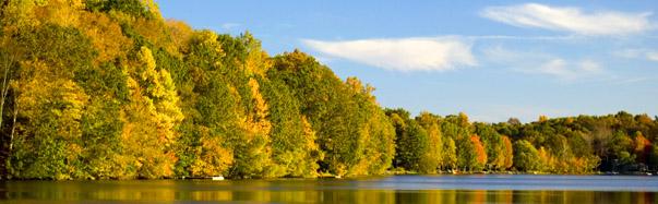 Connecticut - Fall Colors (Photo Credit: iStockPhoto, Jeff Carpenter)