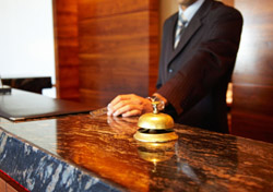 Concierge with Bell (Photo: iStockphoto/Dr. Heinz Linke