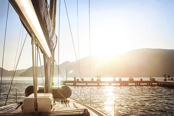 Yacht and Dock at Dawn (Photo: Thinkstock/iStock)