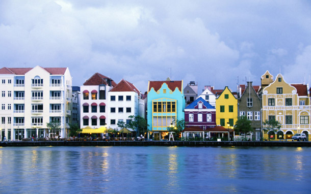 Curacao: Willemstad, Waterfront Buildings (Photo: Thinkstock/Brand X Pictures)