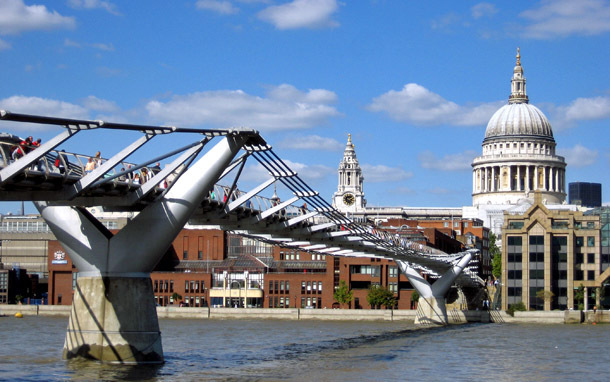 England: London, Millennium Bridge (Photo: Cameron Hewitt)