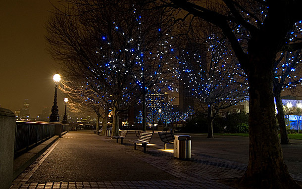 England: London, South Bank at Night (Photo: Thinkstock/iStockphoto)