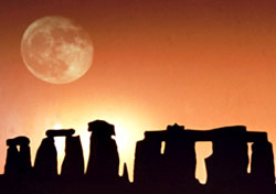 England: Stonehenge Sunset (Photo: Thinkstock/John Foxx)