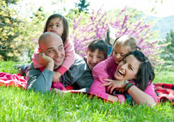 Family: Spring Scenery (Photo: Thinkstock/iStockphoto)