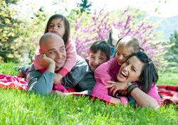 Family: Spring Scenery (Photo: Thinkstock/iStockphoto)