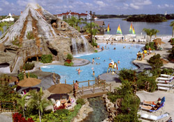 Pool at Walt Disney's Polynesian Resort (Photo: Walt Disney World Resort)