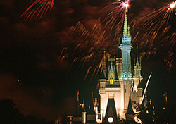 &lt;a href=&quot;http://disneyworld.disney.go.com/wdw/index&quot; target=&quot;_blank&quot;&gt;Walt Disney World&lt;/a&gt; honors the Fourth of July this year by hosting an &lt;a href=&quot;http://www.wdwnews.com/ViewImage.aspx?ImageID=107144&quot; target=&quot;_blank&quot;&gt;Independence Day Naturalization Ceremony&lt;/a&gt; that will give 1,000 immigrants their U.S. citizenship. Gloria Estefan will sing the national anthem at this unique event. Later in the evening, the theme parks will &lt;a href=&quot;http://www.wdwnews.com/ViewImage.aspx?ImageID=106155&quot; target=&quot;_blank&quot;&gt;launch fireworks&lt;/a&gt; into the sky, many accompanied by patriotic music. Be aware that this is one of the busiest days for Disney World, so get there early and claim your spot. (Photo: Walt Disney World)