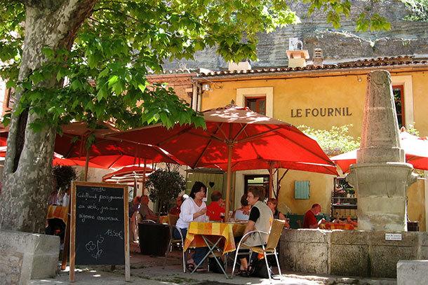 Bonnieux, France (Photo: Steve Smith)