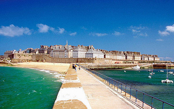 France: Island of St Malo (Photo: Thinkstock/Medioimages/Photodisc)