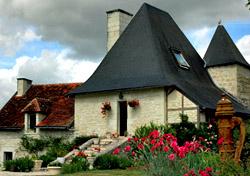 France - Chateau d'Alogny (Photo: John Cooke)